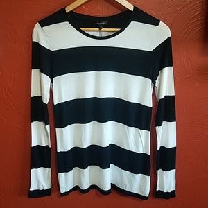 3/$30 Banana Republic long sleeve stripe shirt